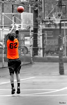 Basketball at the Big Apple by Donibane