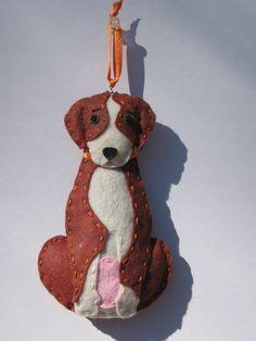 Felt pup (Such precious items on this site) Felt Ornaments Patterns, Dog Ornaments, Christmas Ornaments To Make, Felt Patterns, Sewing Patterns, Felt Crafts Diy, Felt Diy, Handmade Felt, Sewing Crafts