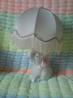 Lampe - Nachtischlampe - Tischlampe - Elefant