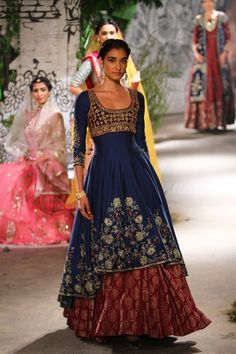 Complete collection: Anju Modi at India Couture Week 2017 Indian Dresses, Indian Outfits, Western Dresses, India Fashion, Asian Fashion, Frock Fashion, Party Wear Lehenga, Indian Designer Outfits, Indian Couture