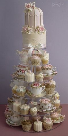Vintage tea cups wedding cake display - www.weddbook.com everything about wedding ♥ Cupcakes Designs by Mesa de Doces #wedding #cake #yummy #food #vintage