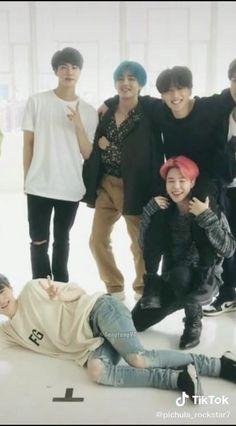 Bts Aegyo, Bts Predebut, Min Yoongi Bts, Kim Taehyung Funny, Bts Taehyung, Bts Jungkook, Bts Photo, Foto Bts, Bts Video