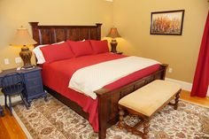 Room 5 in our #airbnb in Rockland, #Maine offers guests a king bed and a private en-suite bath with a whirlpool tub! Don't forget our homemade breakfast and pie! #Rockland