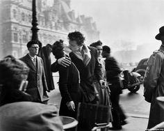 Kiss by Robert Doisneau