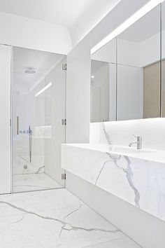 White Calacatta Marble Bathroom Interior Templer Townhouse By images ideas from Home Inteior Ideas Bad Inspiration, Bathroom Inspiration, Bathroom Ideas, Vanity Bathroom, Bathroom Gray, Mirror Vanity, Bathroom Pictures, Budget Bathroom, Marbel Bathroom