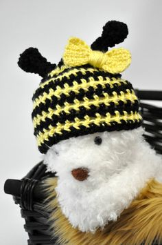 Bumble Bee Hat W/ Removable Bow by JLloPhotographyProps on Etsy, $24.99