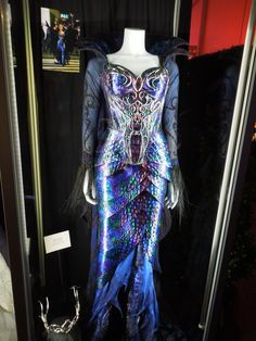 Alien Costume Ideas | ... evil queen costume like this one worn by Susan Sarandon in the movie