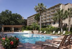 Marriott Plaza San Antonio San Antonio This Marriott is in the city center, 500 meters from the Tower of the Americas and 1 mile from the Alamodome. It features an outdoor pool and a croquet lawn. San Antonio Hotels, Post Holiday Blues, San Antonio River, La Quinta Inn, Vacation Days, Vacation Spots, Hotel Motel, Hotel Reservations, Honeymoon Destinations