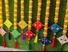 Kite Decoration, Ganpati Decoration Design, Diy Diwali Decorations, Backdrop Decorations, School Decorations, Diy Wedding Decorations, Flower Decorations, Housewarming Decorations, Ceremony Decorations