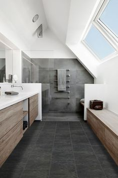 Master Bathroom Ideas Decor Luxury is definitely important for your home. Whether you choose the Luxury Bathroom Master Baths Beautiful or Luxury Master Bathroom Ideas, you will create the best Small Bathroom Decorating Ideas for your own life. Attic Bathroom, Bathroom Toilets, Grey Bathrooms, Modern Bathroom, Small Bathroom, Master Bathroom, Dyi Bathroom, Master Baths, Bathroom Inspo