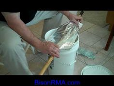 Tutorial:  Long-term food storage in mylar bags and food grade buckets - http://prepping.fivedollararmy.com/uncategorized/tutorial-long-term-food-storage-in-mylar-bags-and-food-grade-buckets/