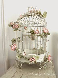 9 Passionate Clever Ideas: Shabby Chic Ideas Tin Cans shabby chic bedroom nightstand.Shabby Chic Living Room Purple shabby chic furniture for sale.Shabby Chic Design Old Windows. Shabby Chic Design, Shabby Chic Mode, Estilo Shabby Chic, Shabby Chic Pink, Shabby Chic Bedrooms, Shabby Chic Kitchen, Bedroom Vintage, Vintage Shabby Chic, Shabby Chic Style