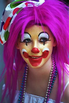 little clown. It's cute and I think I'm gonna use this look for a project.