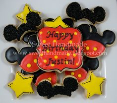 mickey mouse birthday cookies, via Flickr.
