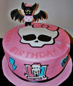 Monster High cake ....love the bat