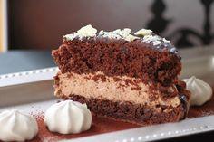Pyhä Sylvi: Tiistain toivottu: Suklainen kakku Food And Drink, Desserts, Tailgate Desserts, Deserts, Dessert, Food Deserts