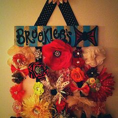 Bow holder for Brooklee