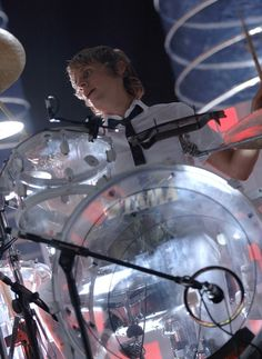 I miss the see-through drum kit! ❤