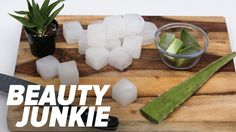 12 Amazing Ways to Use Aloe Vera in Your Beauty Routine: I very distinctly remem. , 12 Amazing Ways to Use Aloe Vera in Your Beauty Routine: I very distinctly remember being in elementary school when I learned about the powers of aloe vera. Aloe Vera For Skin, Aloe Vera Face Mask, Aloe Vera For Sunburn, Beauty Routine Checklist, Daily Beauty Routine, Organic Skin Care, Natural Skin Care, Aloe Vera Piel, Dry Skin Home Remedies