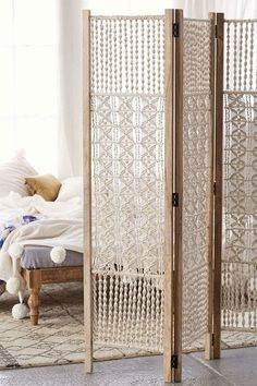 macrame curtain for the home, room divider make yourself creative idea, beautiful home decoration by tiinamonsen Portable Room Dividers, Hanging Room Dividers, Room Divider Curtain, Curtain Room, Diy Home Decor, Room Decor, Macrame Curtain, Macrame Design, Diy Macrame