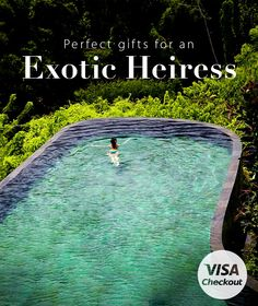 Check out these gift ideas for the woman who never wanders far from her wanderlust. | A dream-worthy holiday gift list, curated by Visa. Everywhere you want to be.