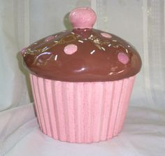 the search for the perfect cupcake cookie jar may be over.