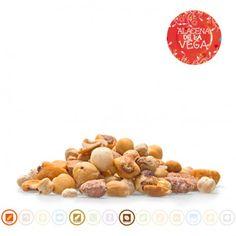 Alacena de la Vega les ofrece 320 gr de Mezcla De Frutos Secos Tostados Con Sal. Contiene cacahuete y restos de frutos secos de cáscara..