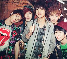 SHINee ♡ Onew, Jonghyun, Key, Minho, and Taemin. I just noticed that everyone puts their names in order of their age