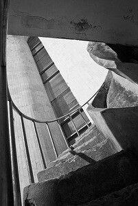 Лестница в никуда. Драмтеатр. Великий Новгород, 2013. Фото Ю. Тарасова