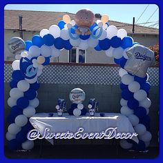 1000 images about baby dodgers baby shower by sweets for Balloon decoration los angeles