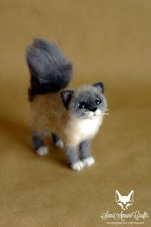Needle felted cat, cat miniature, cat pet portrait, kittens small cat sculpture #feltedcat
