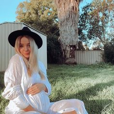 Get the latest winter dress fashion at Kindly, Darling Sustainable boutique # Sustainable Style, Sustainable Clothing, Sustainable Fashion, Maternity Nursing, Maternity Dresses, Maternity Fashion, Boyfriend Shirt Dress, Maternity Boutique, Power Dressing