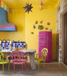 Kitchen Appliances Gallery love the pink fridge!love the pink fridge! Home Design, Design Ideas, Design Trends, Design Room, Design Hotel, Design Styles, Design Design, Modern Design, Mexican Interior Design