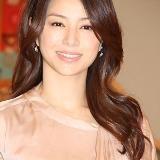 「ガラスの家」は井川遥さんにとって連続テレビドラマ初主演の作品でした。この作品での井川遥さんの色気ある演技に視聴者はメロメロになってしまったみたいです・・・