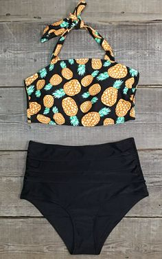 We wanna get stuck in the middle with these babies, so sweet pineapple. Throw on over your swimsuit for a day in the sun, that's all your own! Cupshe.com will give you a gorgeous look!