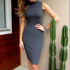 Vestido Midi Cinza Gola Alta High Neck Dress, Dresses, Fashion, Grey Midi Dress, Turtleneck Dress, Clothing Templates, Vestidos, Moda, La Mode