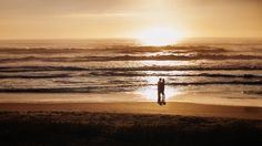 Ensaio Gestante na Praia do Siriú, Garopaba. Ipe Carneiro fotógrafo de casamento, eventos e lightpainting. Visite www.ipecarneiro.com ou ligue 48 9611-5602