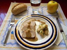 SOLOMILLO DE PAVO EN SALSA DE ALMENDRAS CON PATATAS PARÍS by De Buena  Mesa @Cookbooth http://www.cookbooth.com/recipe//solomillo-de-pavo-en-salsa-de-almendras-con-patatas-paris-79233