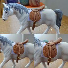 Diy Horse Toys, Horse Crafts, Horse Stalls, Horse Tack, Lauren Diy, Schleich Horses Stable, Bryer Horses, Horse Accessories, Horse Gear
