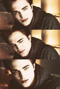 edward in hospital with Bella Twilight Edward, Twilight Film, Vampire Twilight, Twilight Saga Series, Twilight Breaking Dawn, Twilight New Moon, Edward Bella, Twilight Pictures, Robert Pattinson Twilight