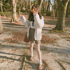 affordable korean street styles fashion website with free international shipping Ulzzang Korean Girl, Cute Korean Girl, Asian Girl, Korean Aesthetic, Aesthetic Girl, Girl Korea, Foto Casual, Uzzlang Girl, Korean Street Fashion