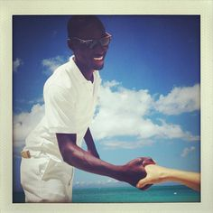 Our new friend Navar welcomes us to the beach in #turksandcaicos