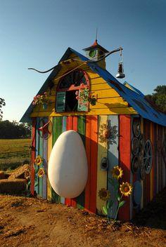 Il n'y a pas de raison pour que nos amies les gallinacées ne bénéficient pas elles aussi d'un toit à la déco soignée. Gageons que dans...