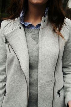 Sweatshirt jacket.