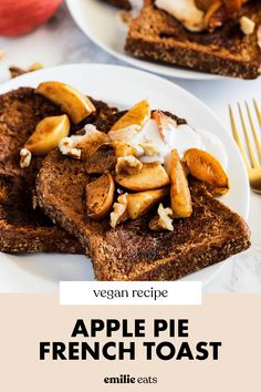 This apple pie french toast is a cozy, satisfying breakfast for fall! The apple pie topping majorly upgrades this vegan french toast recipe. Vegan Breakfast Recipes, Eat Breakfast, Vegan French Toast, Pie Tops, Apple Pie, Tasty, Cozy, Fall, Autumn