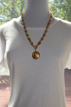 Vintage gold thick chain Chanel button pendant by Vswaggercouture on Etsy