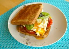 Toast with Egg and Tomato