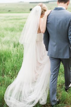 Relaxed Rustic Wedding | SouthBound Bride | http://www.southboundbride.com/relaxed-rustic-wedding-at-the-stone-cellar-by-leandri-kers | Credit: Leandri Kers