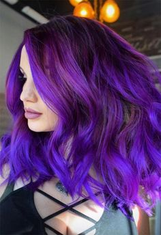 purple hair 63 Purple Hair Color Ideas to Swoon Over: Violet amp; Purple Hair Dye Tips Dark Purple Hair Color, Violet Hair Colors, Dyed Hair Purple, Bright Hair Colors, Hair Dye Colors, Ombre Hair Color, Cool Hair Color, Purple Highlights, Bright Colored Hair