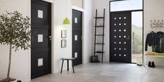 Black is the new white - også for dører Black Doors, Divider, Garage Doors, Outdoor Decor, Room, Furniture, Home Decor, Design, Modern